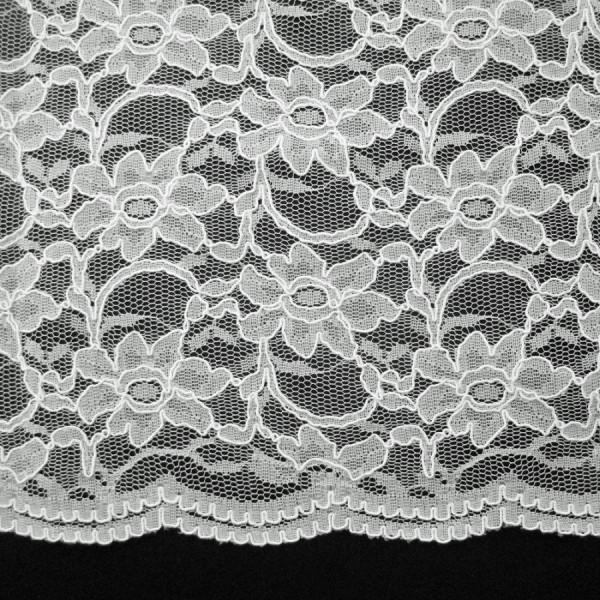 Spitzenstoff mit beidseitiger Bogenkante weiß